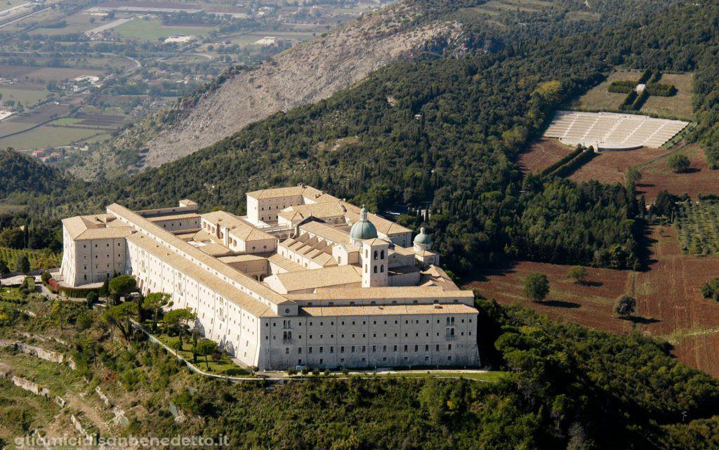 abbazia montecassino e cimitero polacco